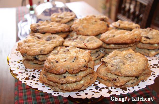 Dried-cranberry-and-chocolate-cookies.-copyJPG-8x6.JPG
