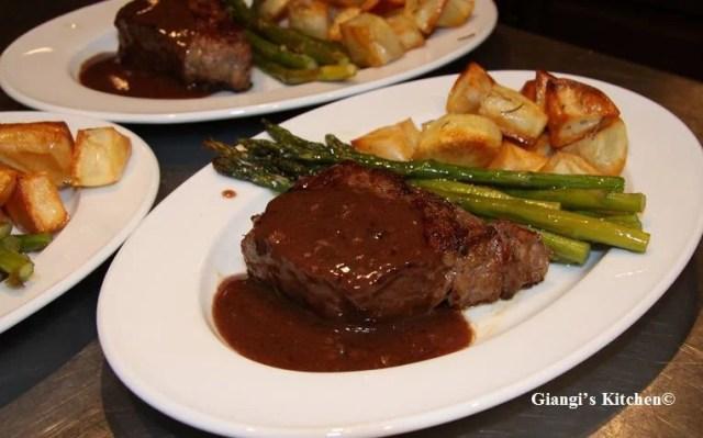 New-York-Steaks-with-WIne-Sauce-copy-8x6.JPG
