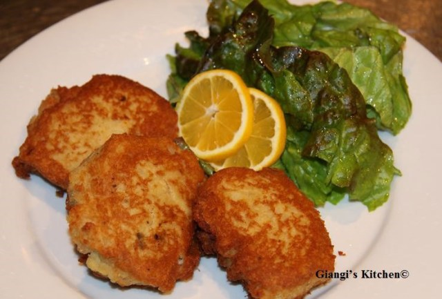 potatoes-and-salmon-cakes-copy-2-8x6.JPG