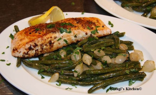Green-beans-pearl-onions-with-salmon-copy-8x6.JPG