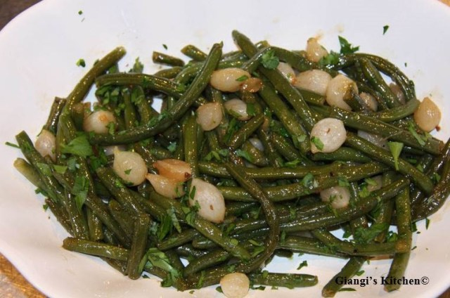Grenn-beans-with-pearl-onions-copy-8x6.JPG