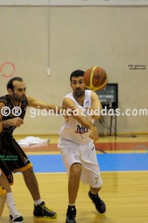 Olimpia Cagliari vs Valentina's Bottegone, 61-52, 22 ottobre 2011 038