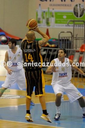 Olimpia Cagliari vs Valentina's Bottegone, 61-52, 22 ottobre 2011 042