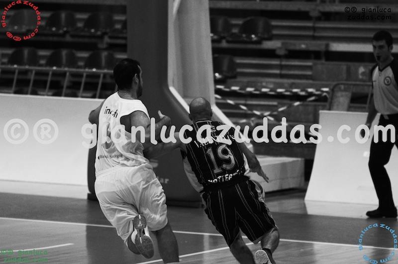 Olimpia Cagliari vs Valentina's Bottegone, 61-52, 22 ottobre 2011 080