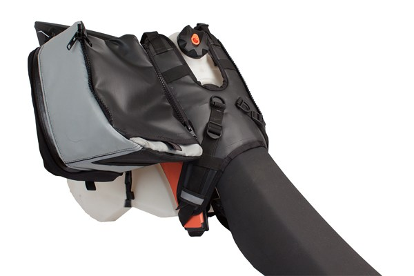 Giant Loop Tank Bag Harness easy fuel access