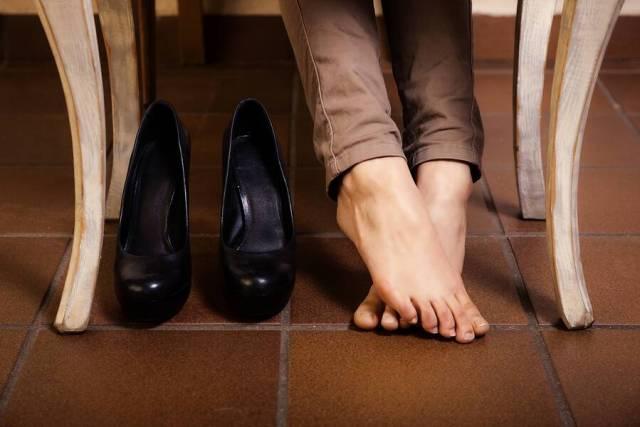 Πρήξιμο ποδιών: Πέντε συνηθισμένες αιτίες και η αντιμετώπισή τους