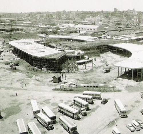 Construção da Estação Rodoviária Central de Porto Alegre em 1969