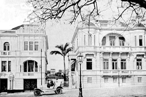 Residências na Praça da Matriz em 1919