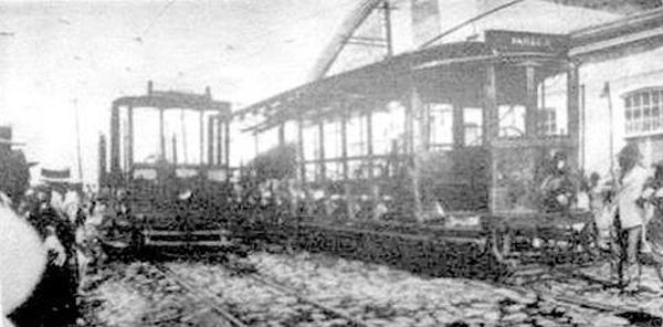 Bondes depredados na Revolução de 1930