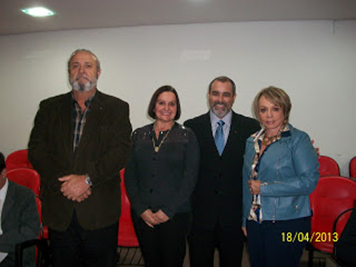Na companhia da presidente do CEJUS, Beatriz e seu esposo Rudimar e Sávio, Presidente Sicredi Justiça