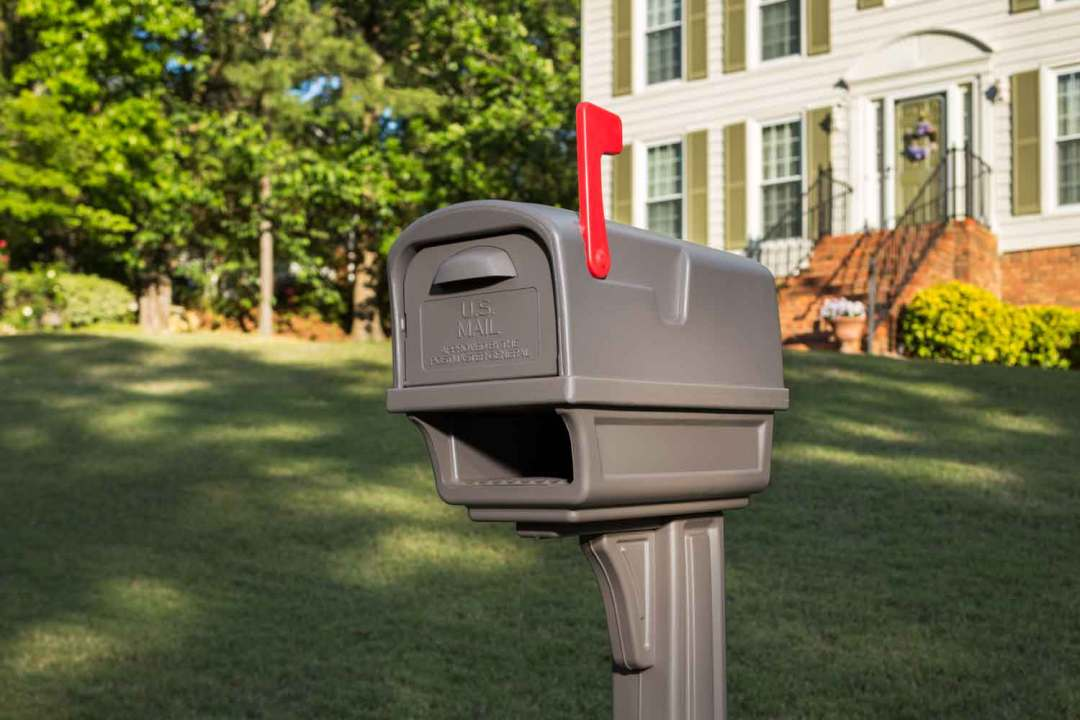 Gentry All-in-One Mailbox with Post
