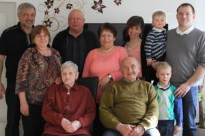 Familie Ostern 2016 nah