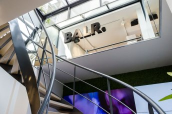 Trap en uitbouw interieur BALR - Verbouw en uitbreiding winkelruimte BALR - Gietermans & Van Dijk architecten - Serena Silooy Photography