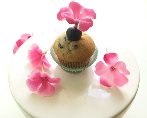 mini muffin with flower topper