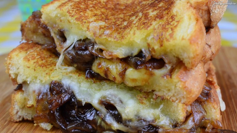 Grilled Cheese with Caramelised Onions
