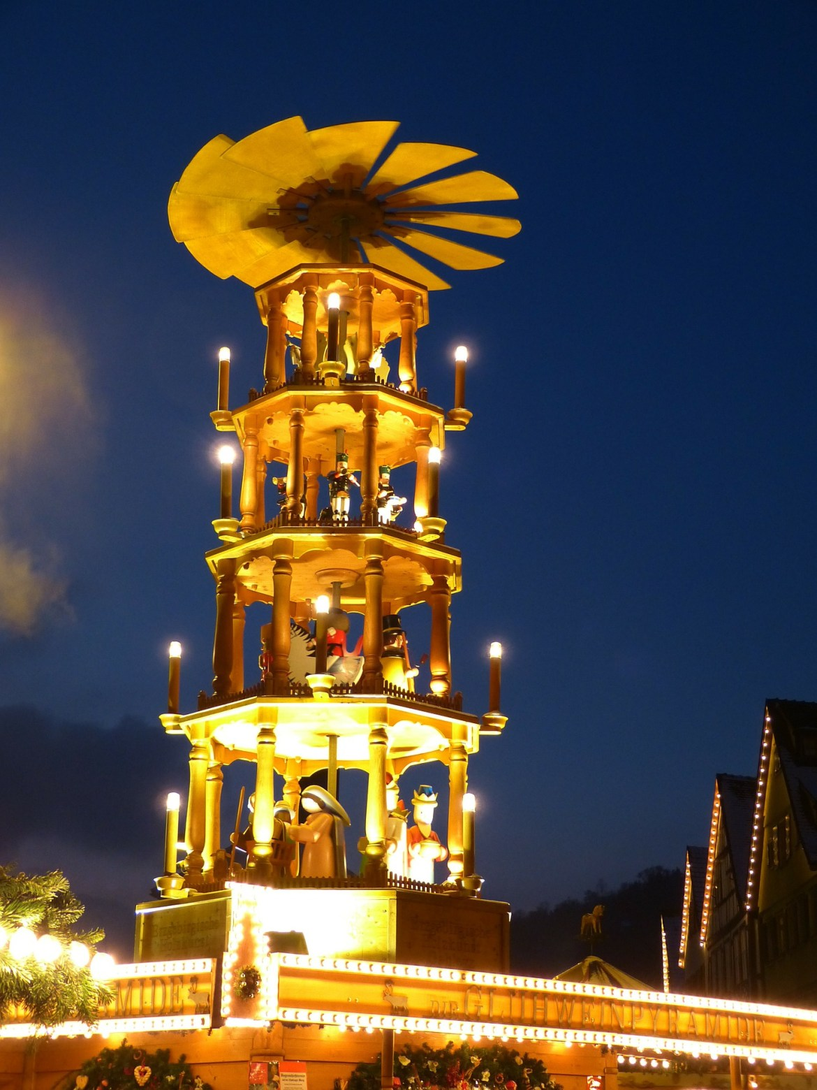 The highlight of the Dresden market is the Christmas pyramid, which stretches over 45 feet, and the world's biggest nutcracker.