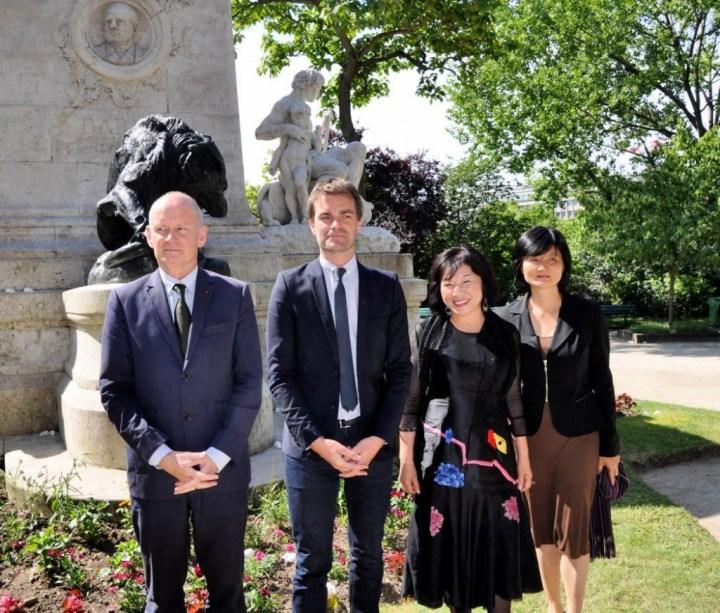 Christophe Girard Maire du 4ème arrondissement de Paris, Bruno Julliard premier adjoint à la mairie de Paris (récemment élu à la présidence de Paris-Musées), Ling Ling Kuo directrice de la Chi-Mei Museum Foundation et Tsai Hsiao-Ying directrice du centre culturel de Taïwan à Paris.
