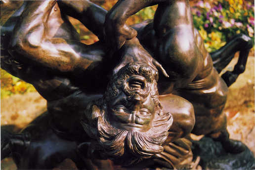 Expert Reports On Works Of Art In Bronze - This beautiful bronze sculpture has been attached to a tree since 1968
