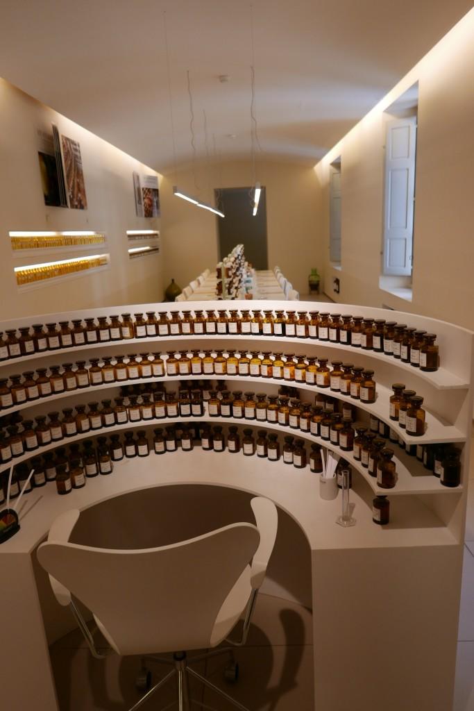 Laboratoire des parfums © GP