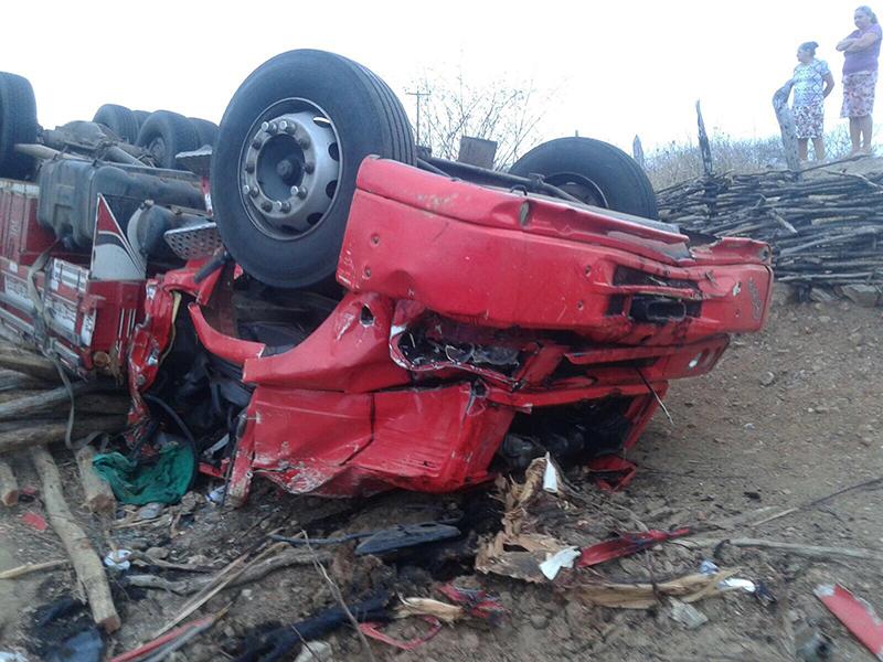 morte caminhoneiro Itabaiana Sergipe acidente Estado Ceará
