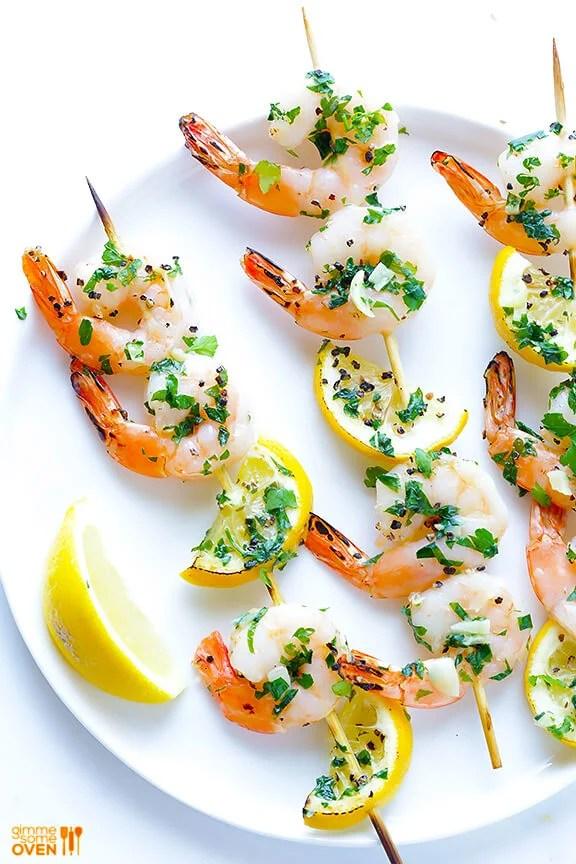Shrimp Scampi Skewers | gimmesomeoven.com #grilling #glutenfree