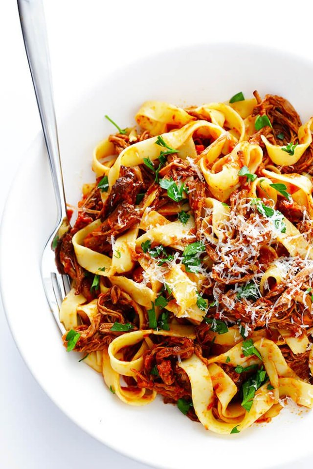 This Slow Cooker Beef Ragu Is Quick And Easy To Prep Simmered