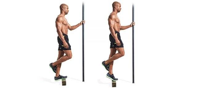 ejercicio de gimanasio elevación talón una pierna