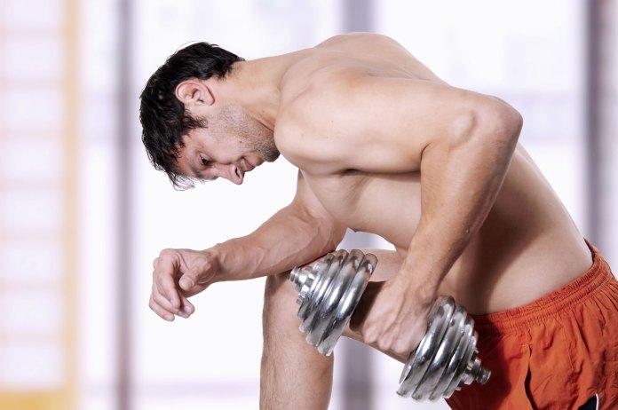 Agarres al entrenar el tríceps