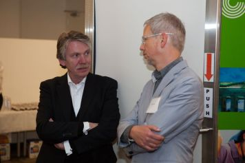 Keynote speaker Prof. Klaus Klemp with panelist Thomas Overthun | © 2011 Philipp Weitz Photography