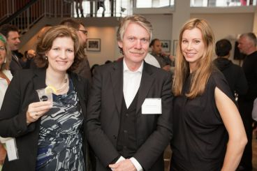 GIN4B Founders Stefanie Then and Claudia Schaller with keynote speaker Prof. Klaus Klemp | © 2011 Philipp Weitz Photography
