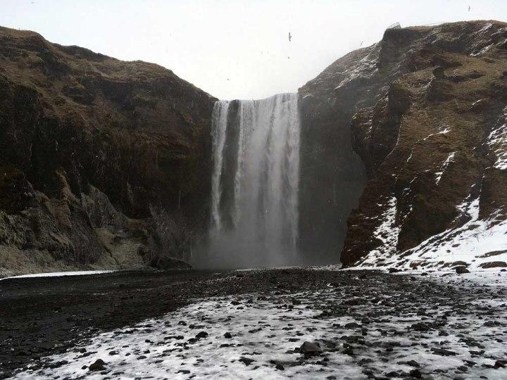 Wasserfall Skogafoss Island Roadtrip Südküste gindeslebens.com © Thomas Mussbacher und Ines Erlacher