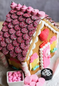 gingerbread house for Valentine's Day tutorial
