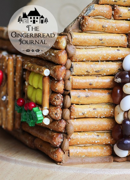log cabin gingerbread house-31wm
