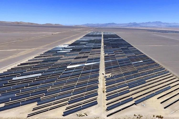 LONGi suministra los módulos bifaciales para una planta solar en Chile