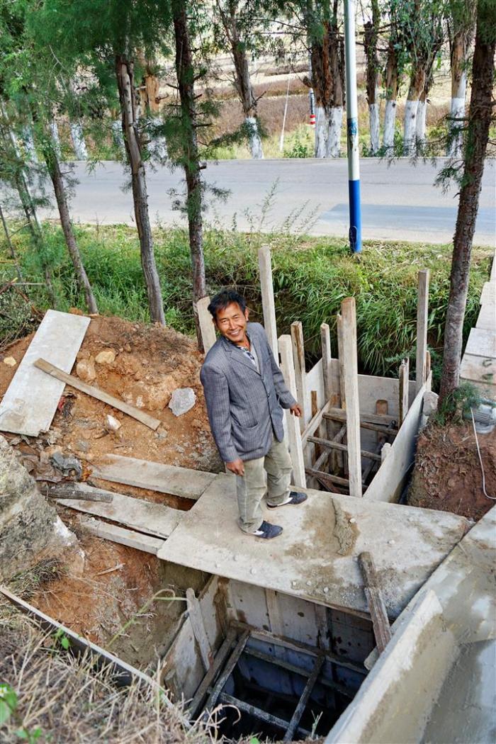 Project Manager Yang - Shaxi Pear Orchard Temple new toilets - Shaxi Yunnan China