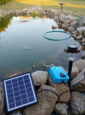 solar powered pond aerator actual view in the pond