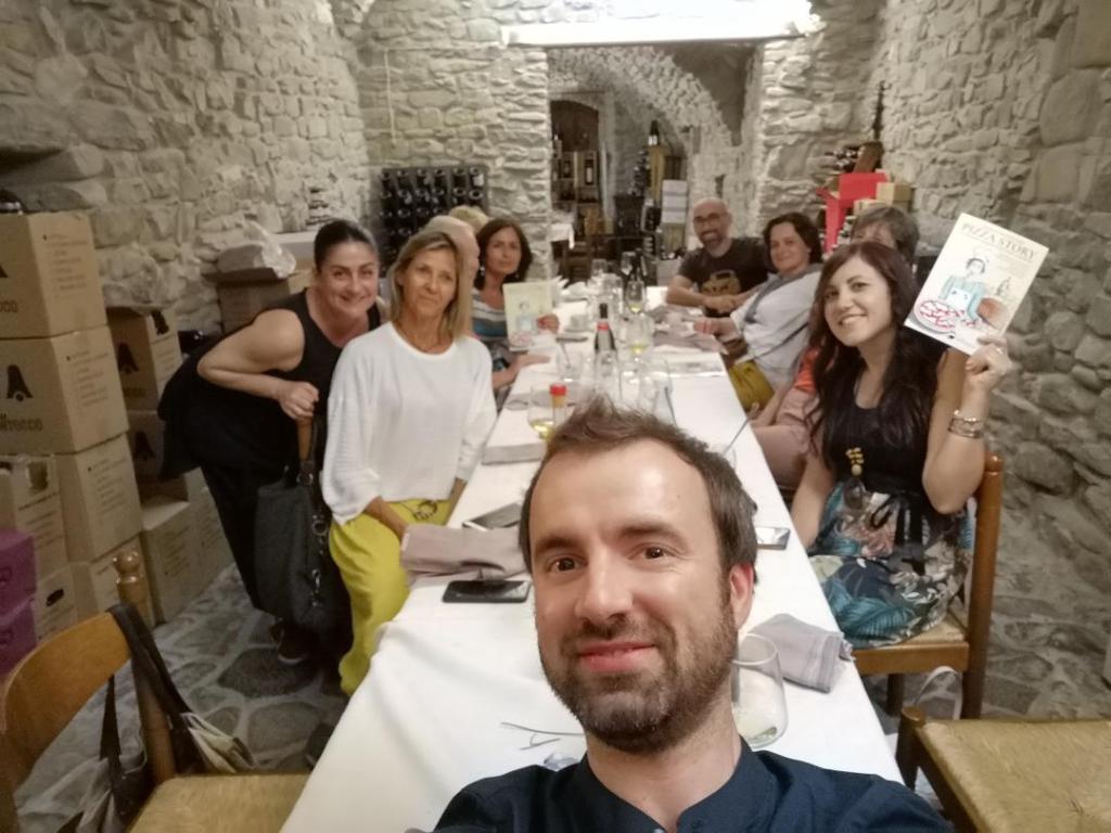 """Pizza Story al """"Ristorante Fontana"""" di Calestano: la cena in un altro dei tre tavoli prenotati"""