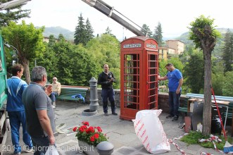 red-telephone-box-barga-12.jpg