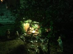 Olga Boschi, presepe in giardino a Barga