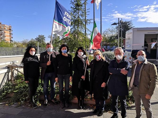 Giornata Nazionale degli Alberi, FdI Ciampino consegna pianta di ulivo simbolica alla Città
