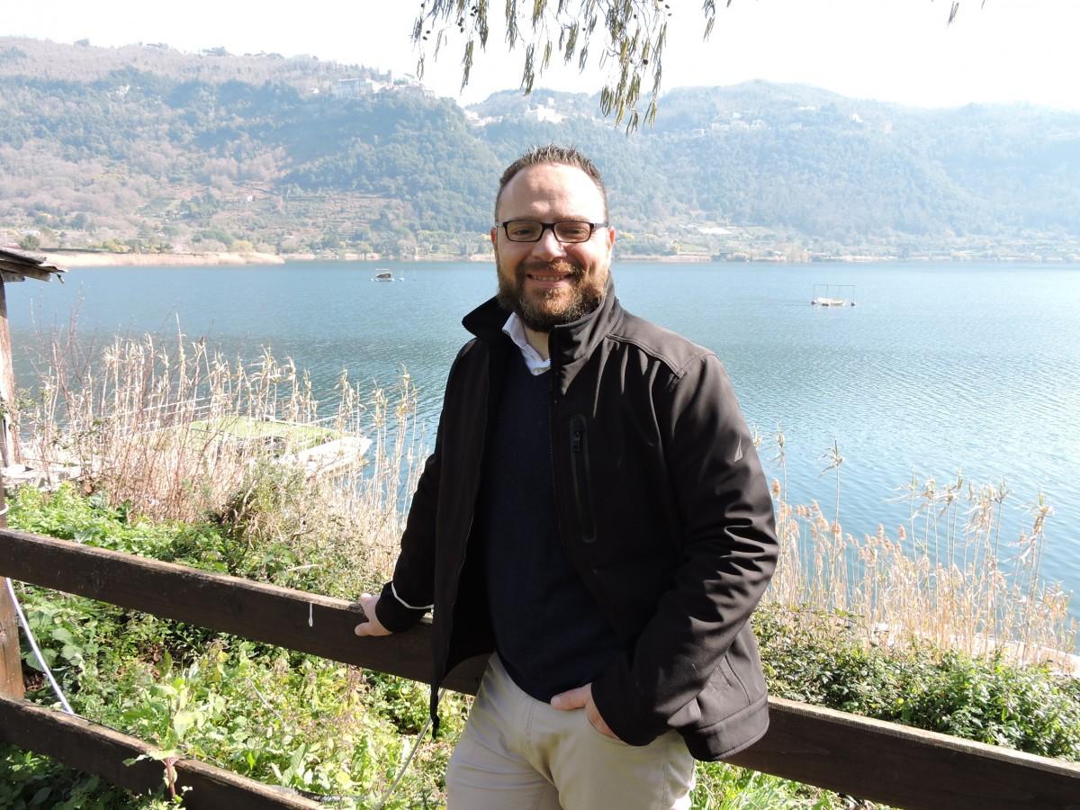 Nemi, il presidente di Frascati Scienza, Matteo Martini, interviene sull'esperimento al lago