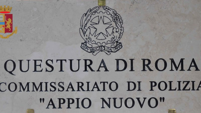 Roma, arrestati 2 cittadini romeni, rapinavano le vittime dopo aver prelevato i soldi