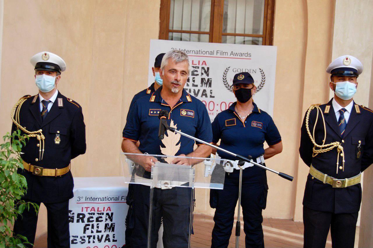 """Roma, la Polizia Locale riceve il premio """"Golden Leaf"""" per l'impegno nella lotta in difesa dell'ambiente"""