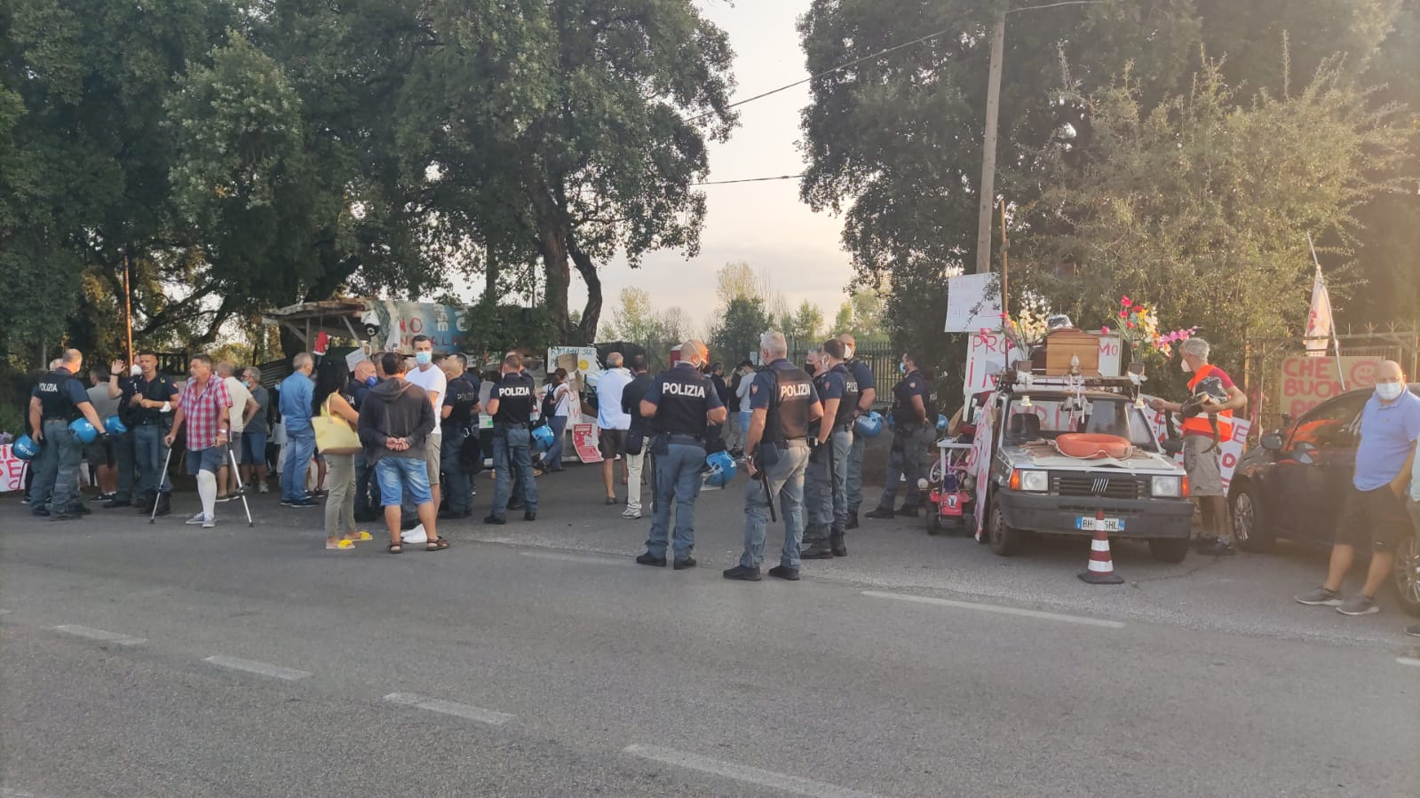 Discarica Roncigliano, da oggi divieto per i manifestanti di bloccare i camion e la strada