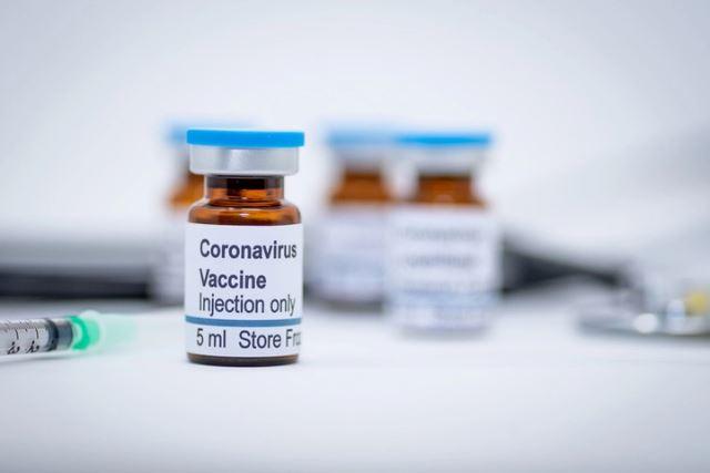 Covid, anche a Ferragosto vaccinazione straordinaria per persone fragili e per over 12