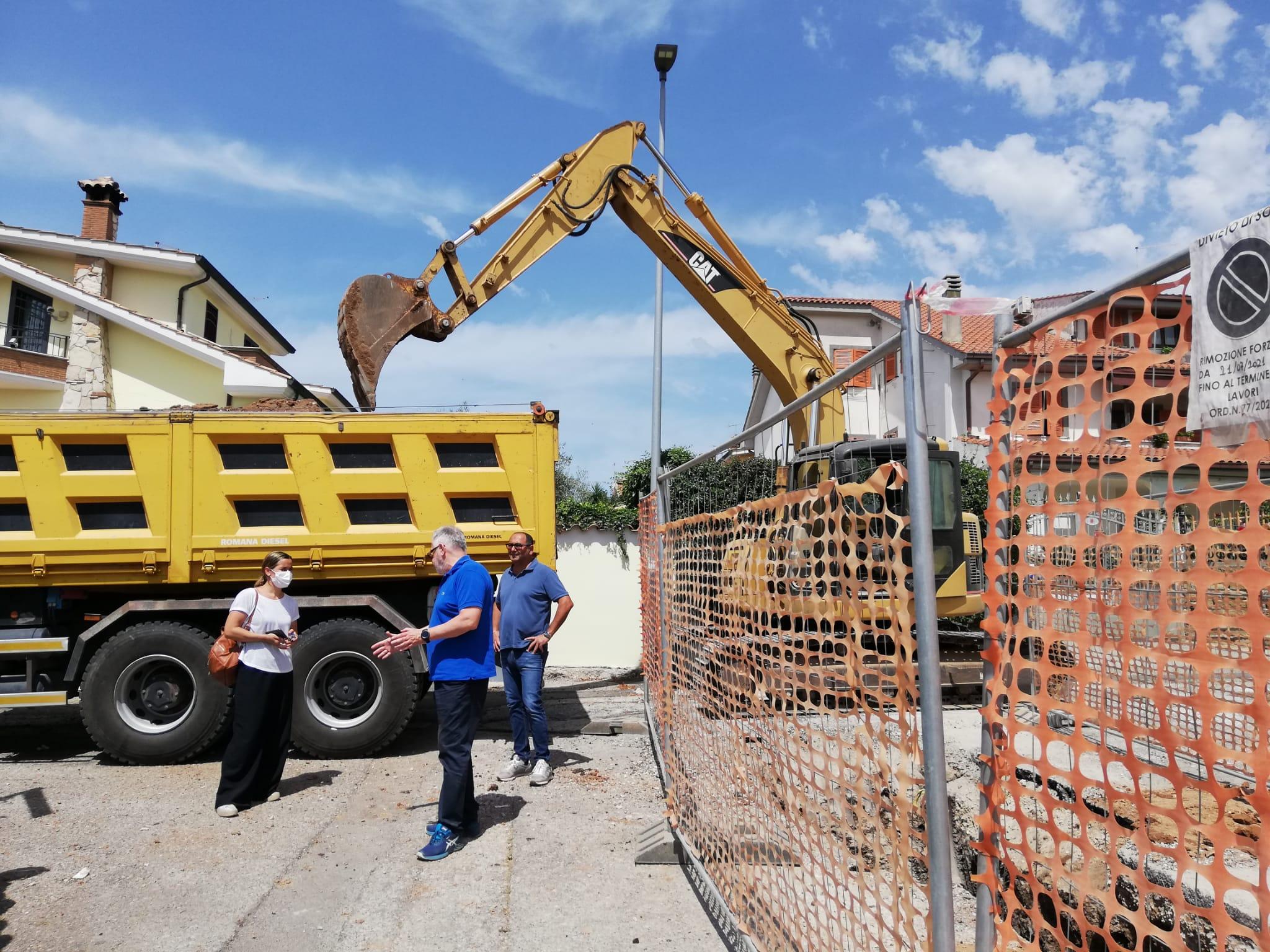 Pomezia, Al via i lavori di scavo per la costruzione delle fogne bianche