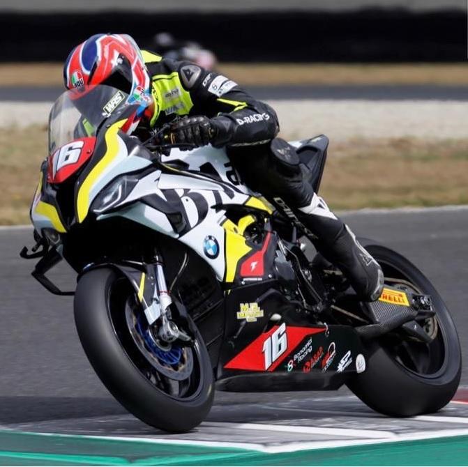 """Ciampino, Il """"B-Max Racing Team"""" potrebbe partecipare al campionato del mondo Superbike"""