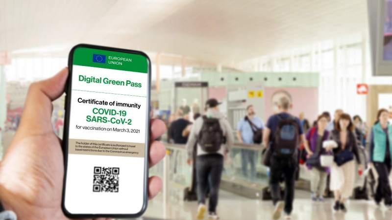 Green Pass, da oggi obbligatorio su aerei, treni, navi e autobus a lunga percorrenza