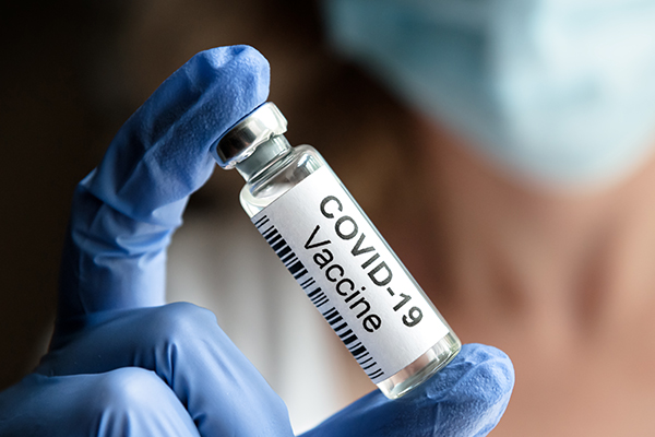 Vaccino Covid, il  rapporto Aifa: 13 eventi gravi ogni 100mila dosi