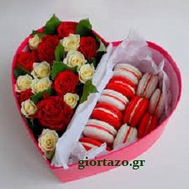Λουλούδια και γλυκά σε σχήμα καρδιάς … giortazo.gr